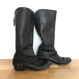 Fossil black leather tall boots w buckles - Size 9